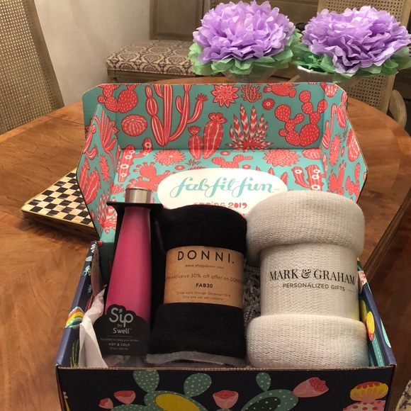 Swell Other - Swell Donni Mark & Graham gift box
